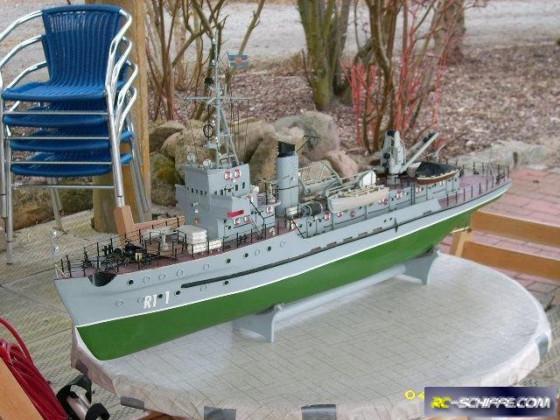 Rettungsschiff R11