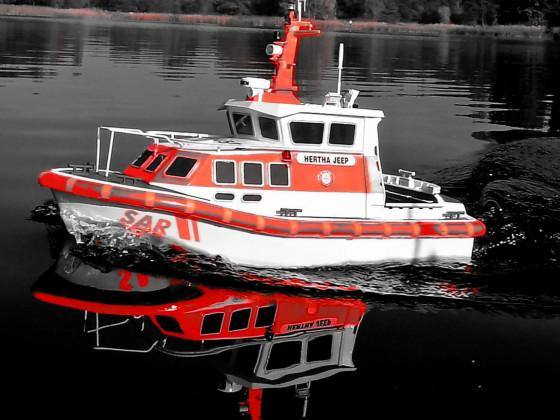 """2. SAR Seenotrettungsboot """"HERTHA JEEP"""" im Britzer Garten beim Modellbauclub Sail und Road e.V. Berlin"""