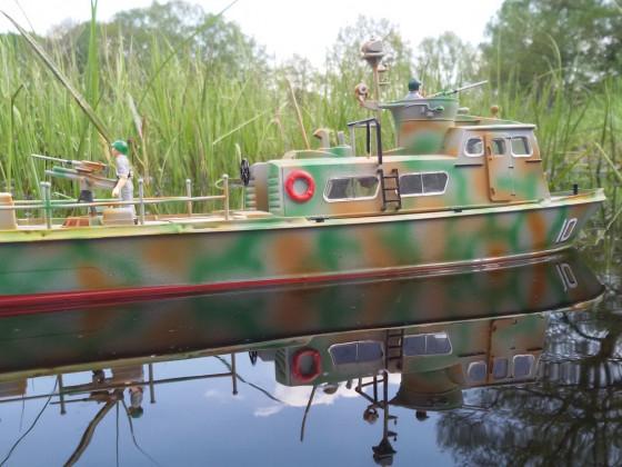 RC  Revell Viet Nam Swift Patrol Boat   1:48