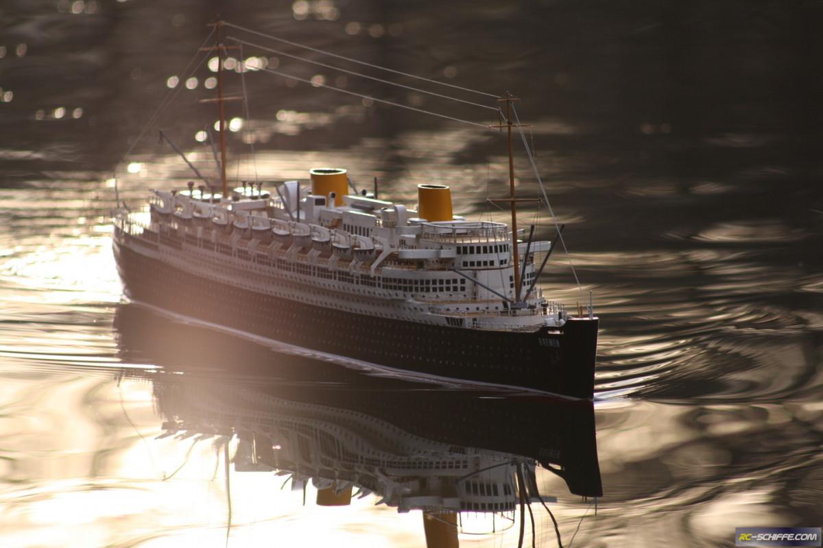 Die Bremen im Sonnenaufgang am Lake Seiler