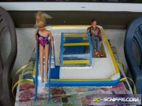 """Trettboot \""""Barbie\"""""""