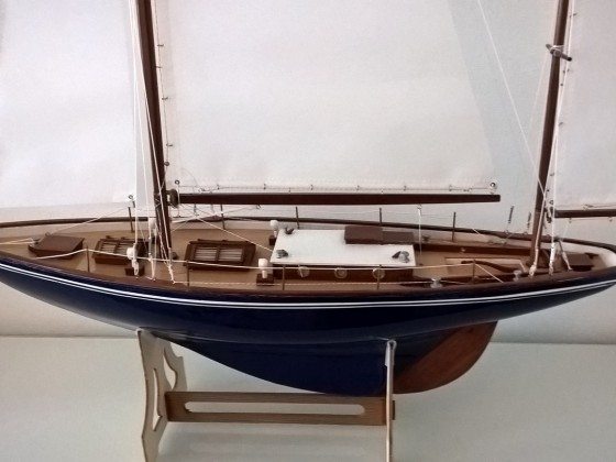 Dorade semi scale