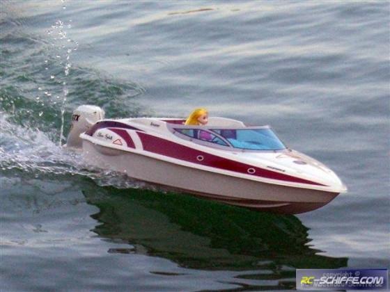 Silver Spirit - Sportboot mit Außenbordmotor