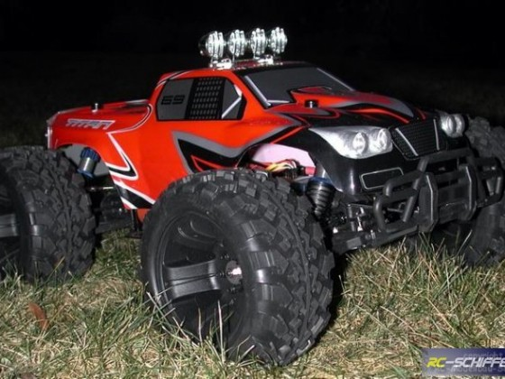 Monster-Truck Titan Front