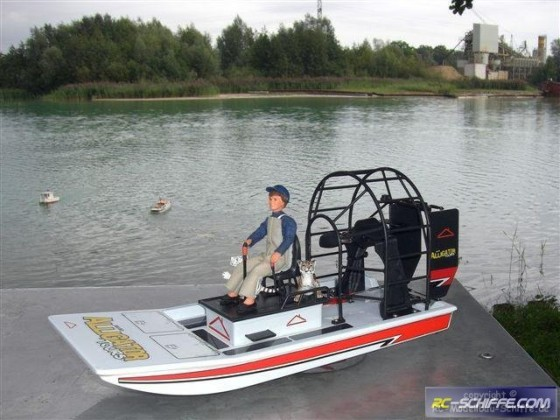 Mini Alligator Sumpfboot