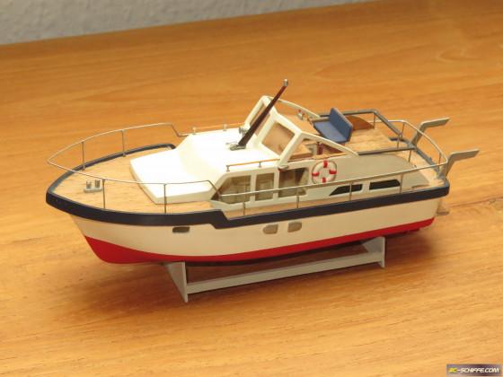 Motoryacht 1:87