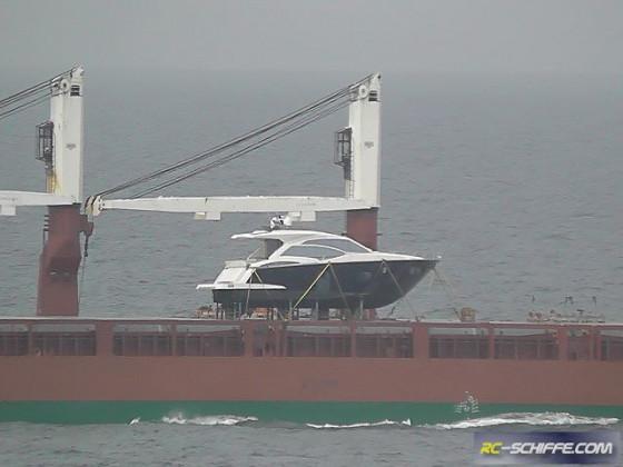 ??? Schiff auf Schiff..
