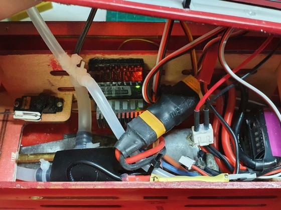 mit eingebauter Pumpe (unter Wasserlinie)