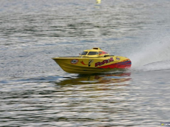 Powerboot 2,60m mit 125ccm Cartmotor