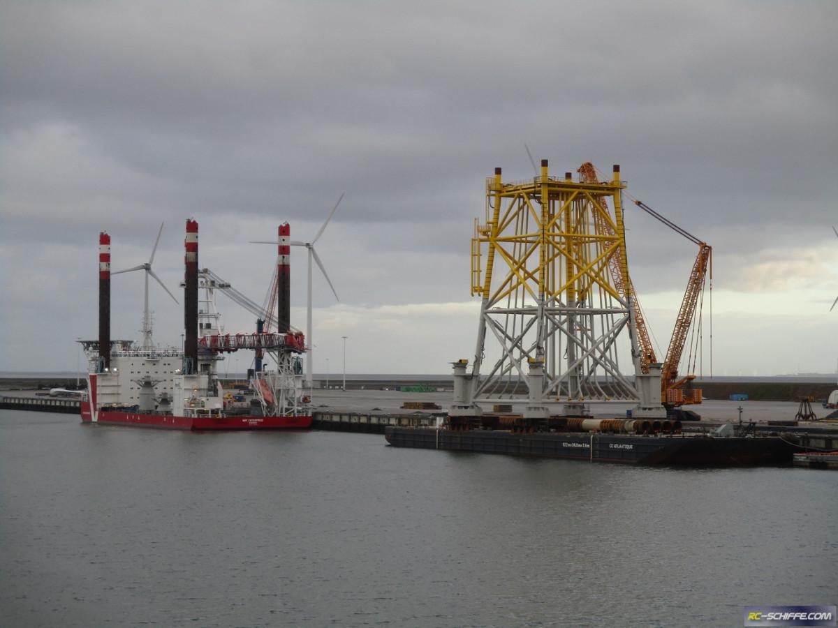 """Offshore Wind Substation und Jackup Unit """"MPI Enterprise"""""""