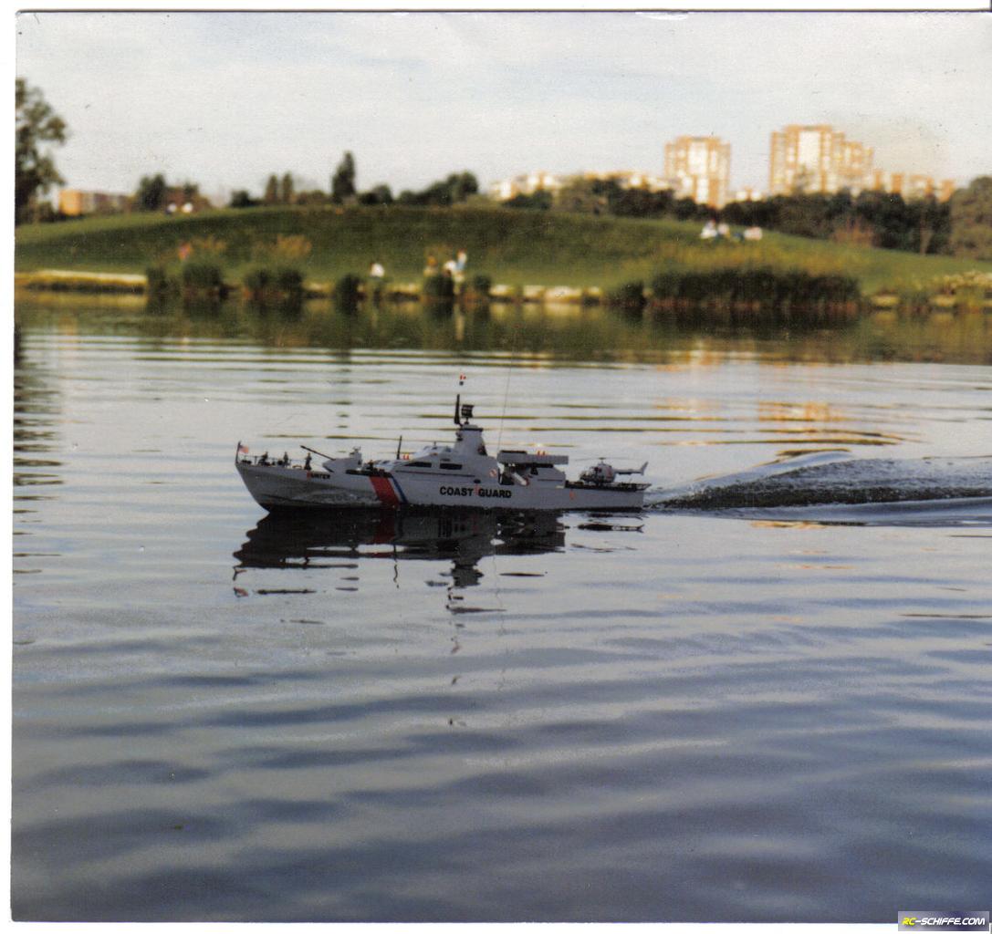 Schnellboot Eigenbau auf Rumpf 143 Gepard