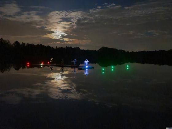 Hafensnlage bei Nacht
