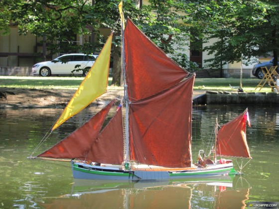 Capricorn,Thames sailing barge model