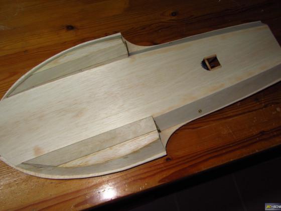 1/16 Hydroplane Notre Dame  -  Unterseite (unverschliffen)
