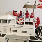 Die Mannschaft meines 47 Ft. U.S. Coast Guard Lifeboats ist fertig zum Einsatz... :)