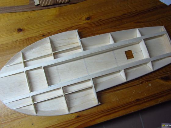 1/16 Hydroplane Notre Dame - Gewicht aktuell knapp 100 Gramm