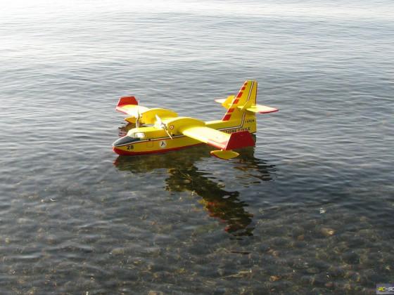 kein Schiff aber ein Flugboot, meine Canadair CL415 - als italienisches Löschflugzeug