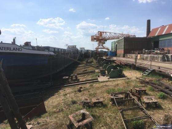 Schräge Werft 4