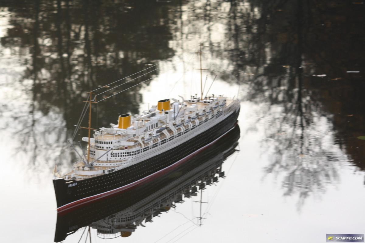 Die SS Bremen auf dem Lake Seiler