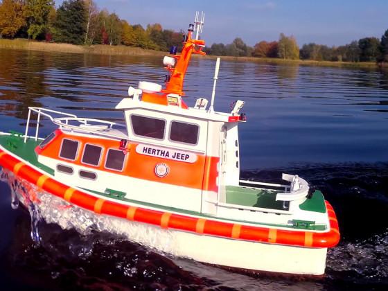 """1. SAR Seenotrettungsboot """"HERTHA JEEP"""" im Britzer Garten beim Modellbauclub Sail und Road e.V. Berlin"""