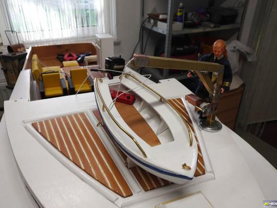 20200424-Beiboot mit Kran