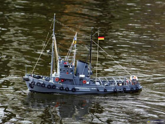Testschiff AXION auf Messfahrt